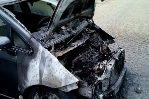 Auto in brand. Fleringenstr.