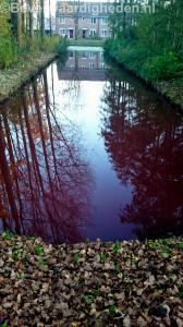 Rood water in singel Vosbergenpad